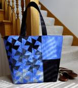 Twister Tote sewing pattern from Around the Bobbin 2