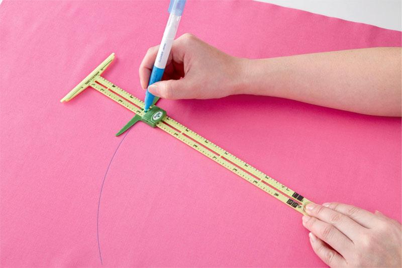 Supersize-5-in-1-sliding-gauge-ruler-Nancy-Zieman-Clover-3