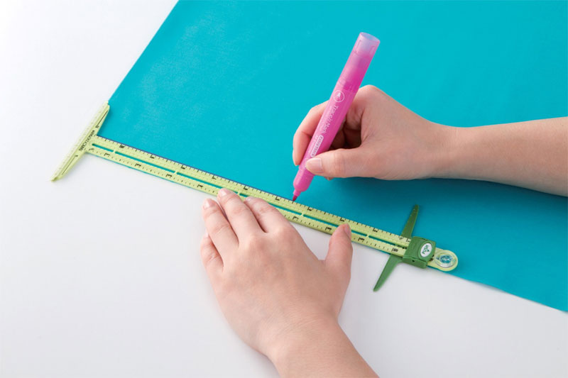 Supersize-5-in-1-sliding-gauge-ruler-Nancy-Zieman-Clover-4