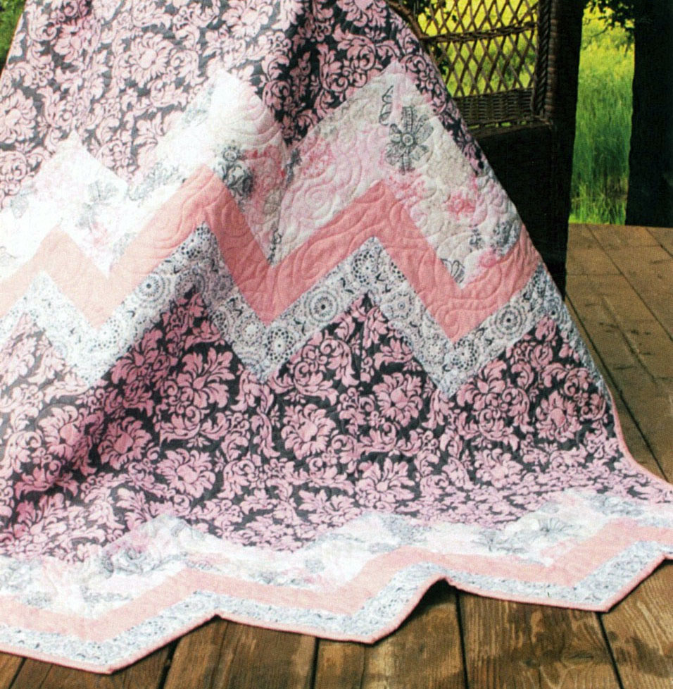 Sweet Ups and Downs quilt sewing pattern by the Fat Quarter Gypsy image 1