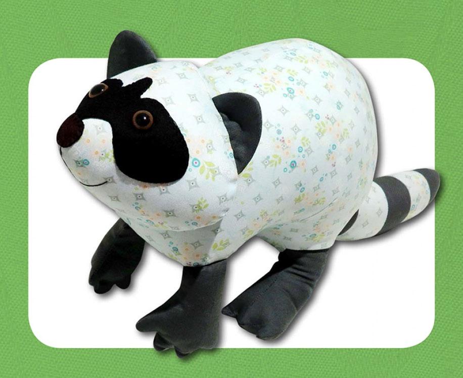 Rascal-Raccoon-sewing-pattern-Funky-Friends-Factory-1