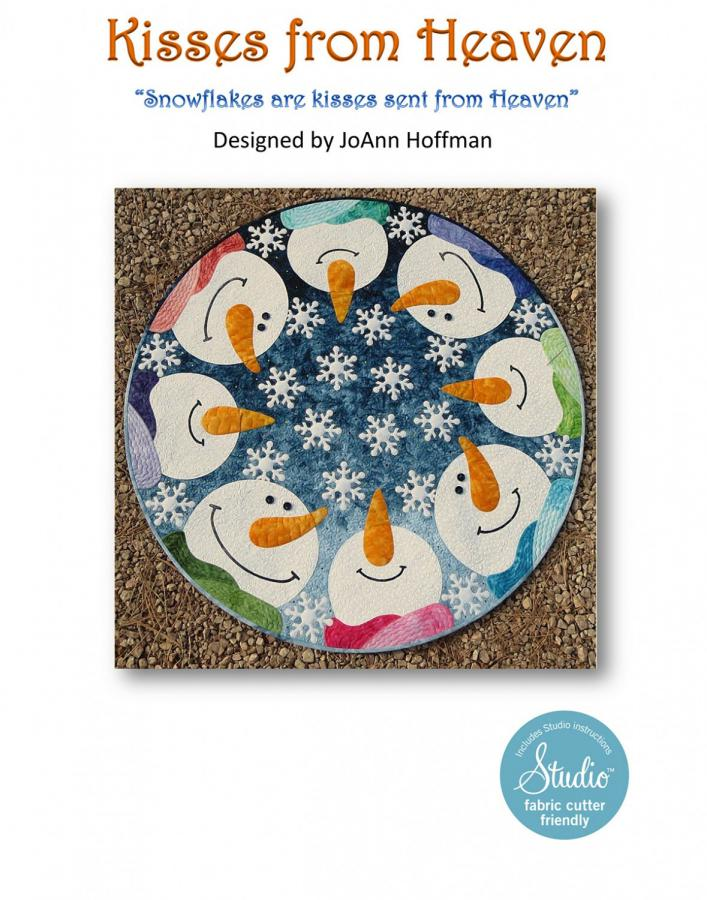 Kisses From Heaven Circular Quilt/Table Topper sewing pattern from JoAnn Hoffman Designs