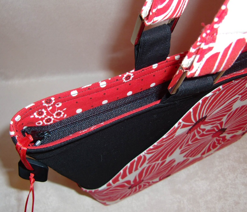 Lazy_Girl_Candice_Bag_Sewing_Pattern_Zip_view.jpg