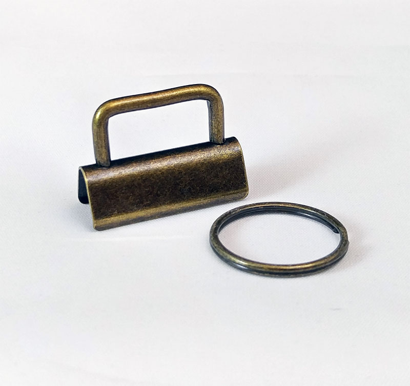 Key-Fob-Hardware-1-Pack-Antique-Brass-Sew-TracyLee-Desgins